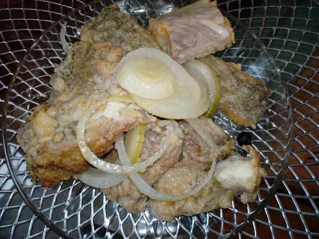 smazone ryby w zalewie octowej ryby w occie ryby w sloiki w sloikach leszcz i szczupak w occie ryby na wigilie pomysl na ryberyby z cebula