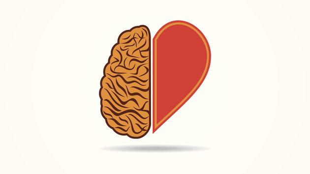 هل تفكر بقلبك أم عقلك