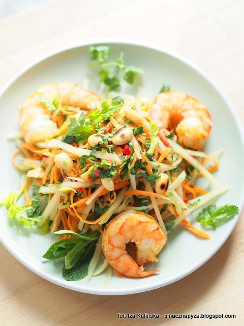 salatka afrodyty, zielona papaja, krewetki, imbir, aromatyczny sos, ziola, lunch, kolacja, romantycznie, walentynki, danie na randke, na romantyczna kolacje, dla dwojga, food pairing, kuchnia milosci