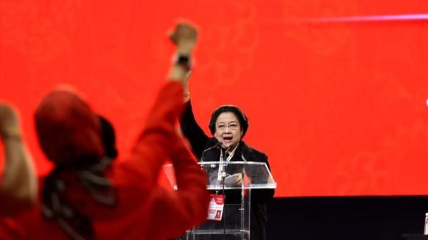 Kontroversi Mega Minta Jokowi Tak Manjakan Milenal