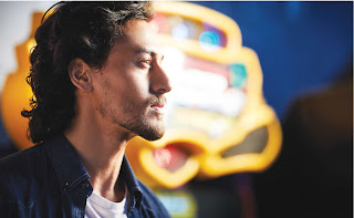 TigerShroff.MansWorld.5.jpg