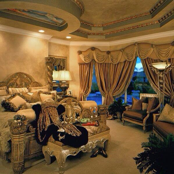 Luxury Houses Master Rooms: Opulent Master Bedrooms