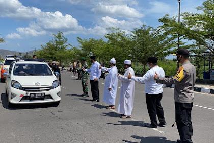 Peduli, Tokoh Agama 'Empat Sekawan' Lombok Barat ini, Turun Langsung Dalam Penegakan Perda NTB No.7 Tahun 2020