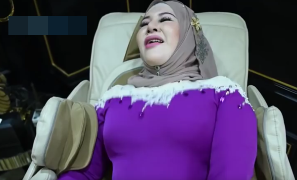 Viral Video Aksi 'Ghairah' Demi Promosi Produk Mendapat Kecaman Hebat Dari Netizen!