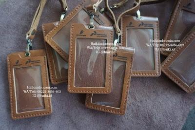 Jual Souvenir Tempat Id Card Kulit Pekanbaru model gantung