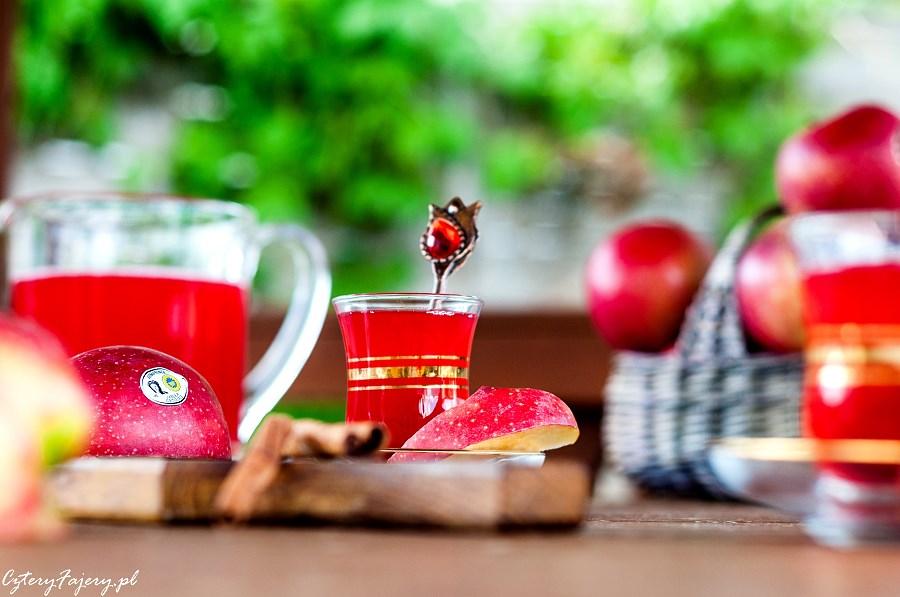 kompot-rabarbarowy-z-jablkiem