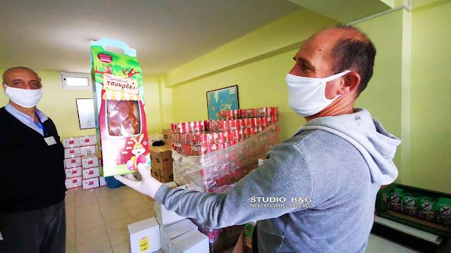 Διανομή ειδών διατροφής από τον Δήμο Ναυπλιέων σε απόρους, ΑΜΕΑ και άνεργους (βίντεο)