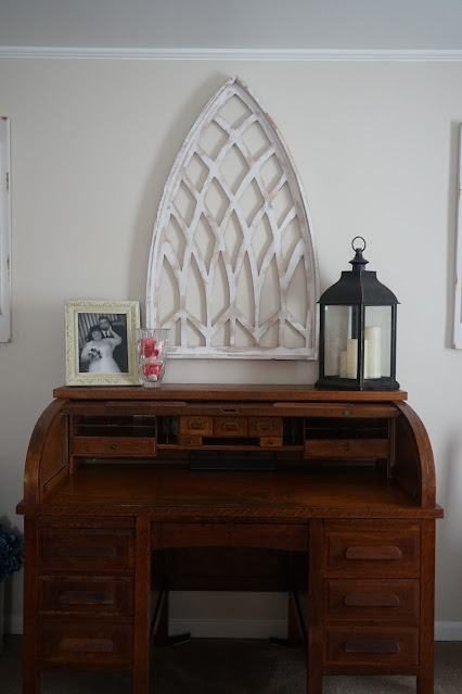 How to style a roll top desk