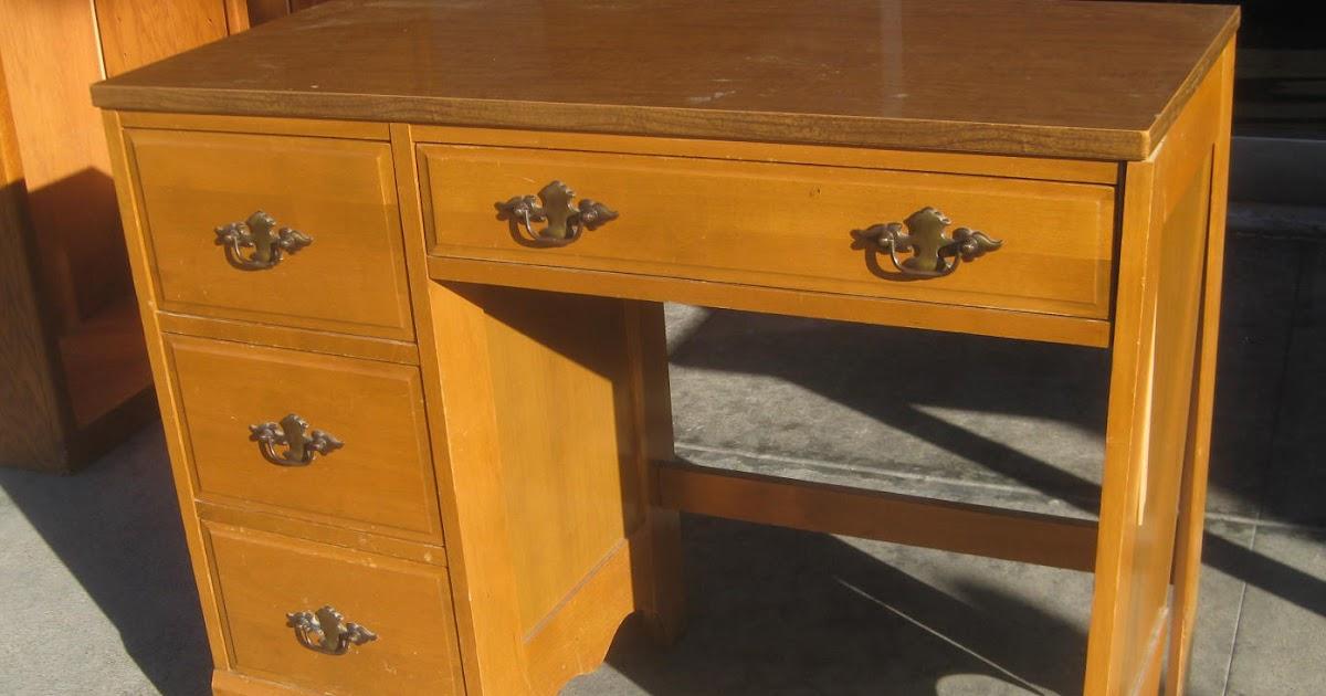 Billy: Easy Wooden Desk Plans Wood Plans US UK CA