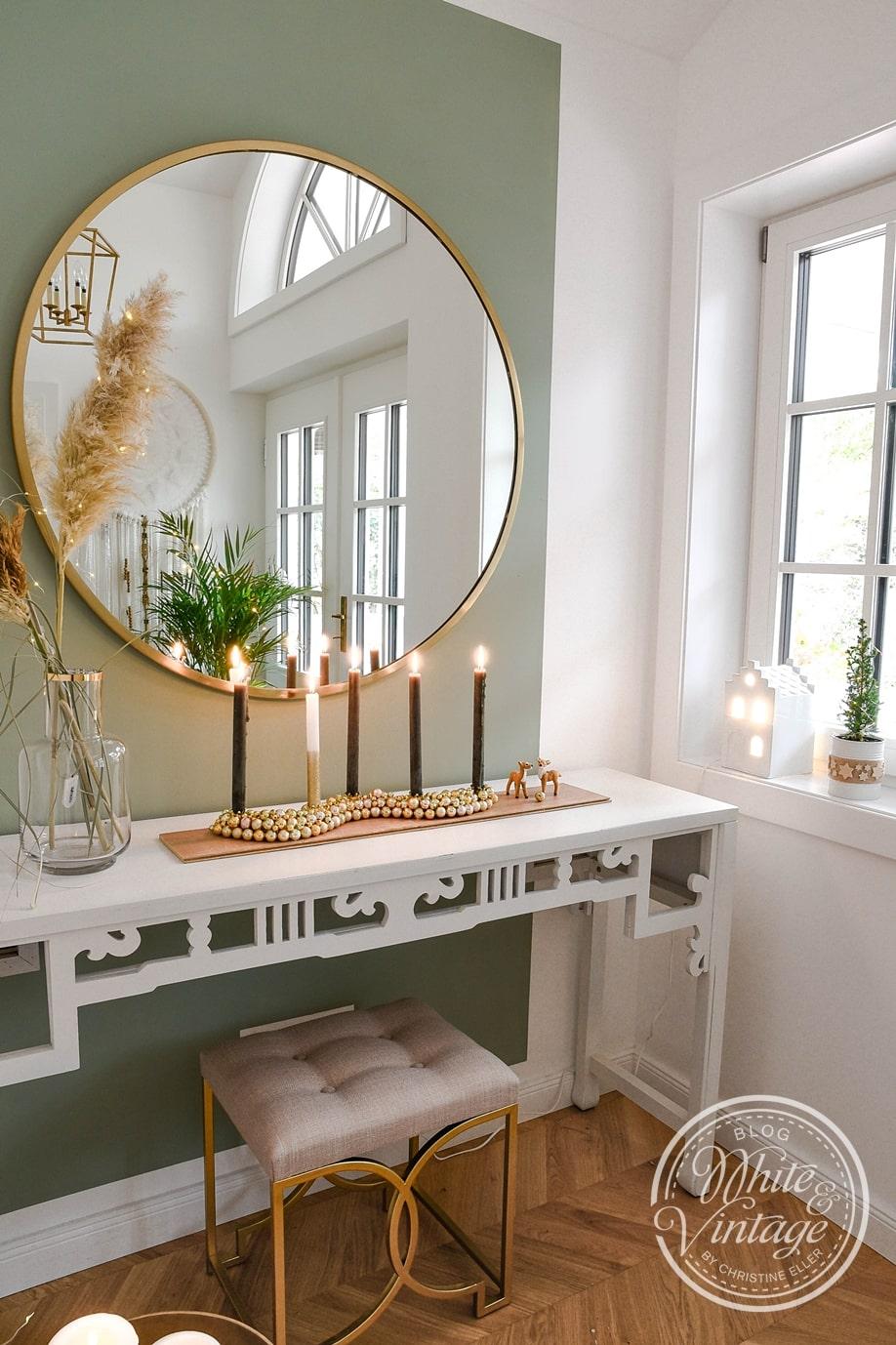 DIY-Kerzenhalter aus Weihnachtskugeln