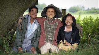 John (Thierry Wickens), Worzel Gummidge (Mackenzie Crook), Susan (India Brown)