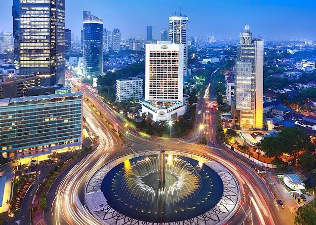 Jakarta, Si Durian Raksasa dengan Berbagai Keunikan