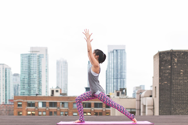 7 Reasons To Take Up Yoga / Blog Simplicity in Vogue - yoga benefits, wellness, wellbeing, lifestyle, yoga for health, body and mind