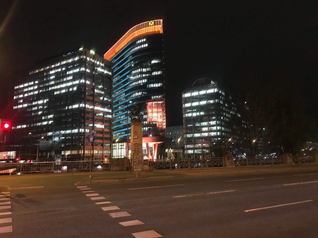 night vienna buildings