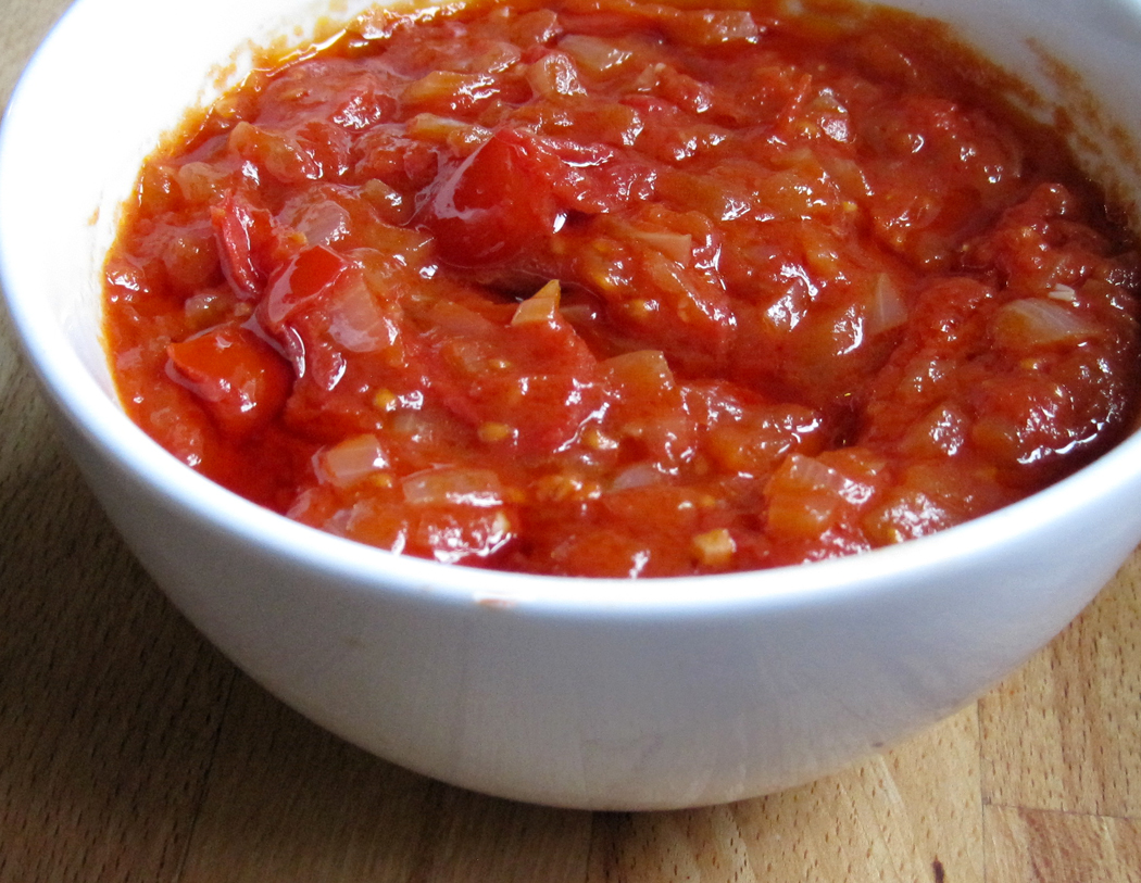 Tomato sauce for patatas bravas