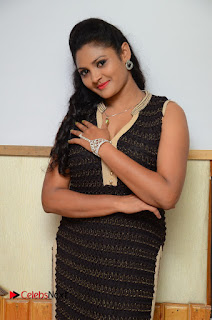 Vasavi Reddy Latest Picture Gallery in Salwar Kameez ~ Bollywood and South Indian Cinema Actress Exclusive Picture Galleries