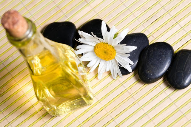 Aromatherapy Essential Oils for Prompt Relief on Lower Back Pain or Sciatica