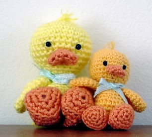 http://amigurumibb.files.wordpress.com/2014/01/baby-duckling-pattern.pdf