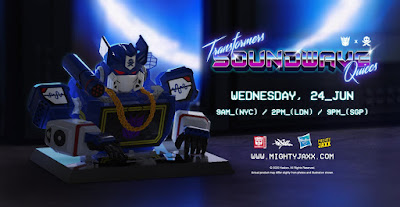 Transformers G1 Soundwave Vinyl Bust by Quiccs x Mighty Jaxx x Hasbro