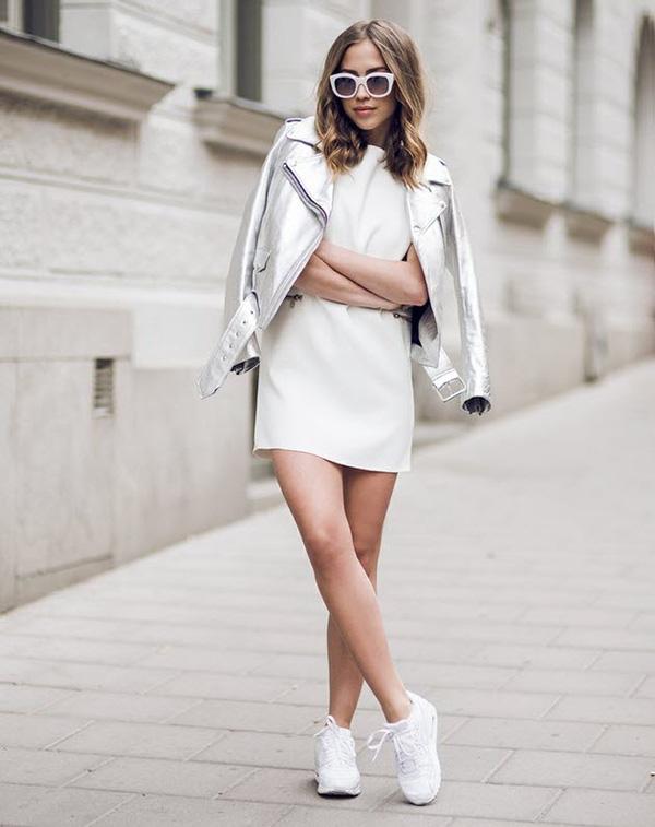 Giày thể thao sneaker trắng - item hot trend kinh điển sắm được 1 lần diện 4 mù3a