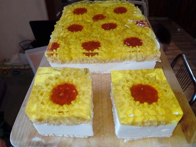 sernik na zimno margaretka ciasto margaretka na zimno bez pieczenia ciasto na zimno z margaretkami ciasto margerytka sernik na zimno z sera i serkow waniliowych