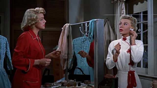 movie - White Christmas - The Haynes sisters chat while changing for their act