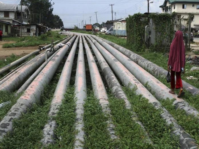 Baysela residents lament oil leak from Agip pipeline