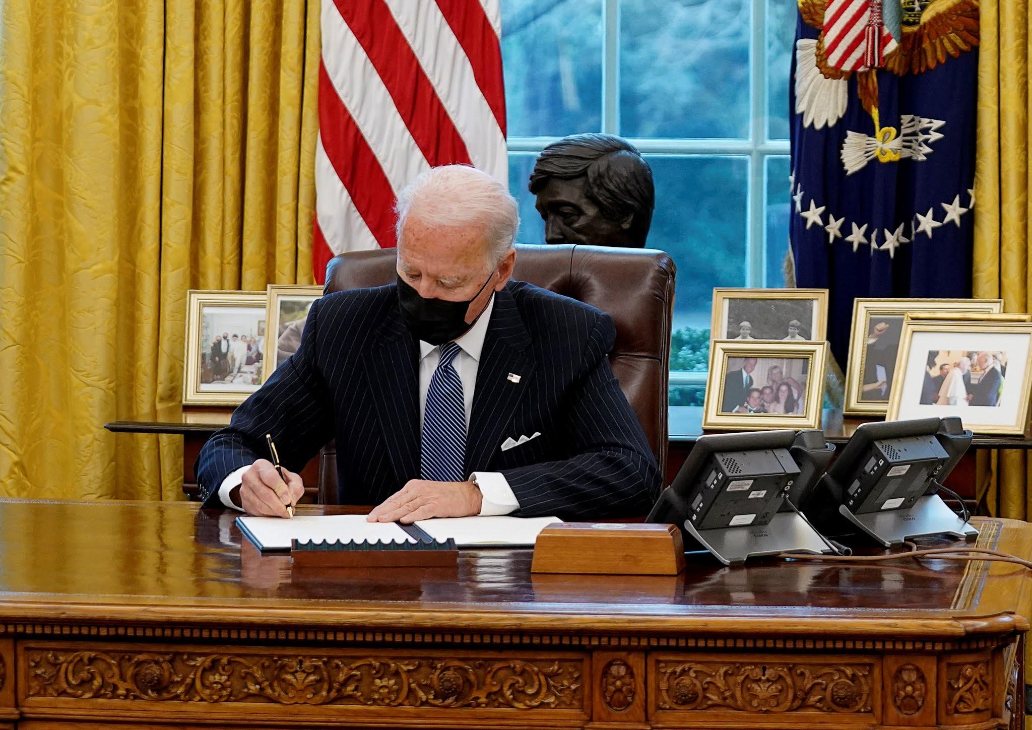 Joe Biden revocó la prohibición de Donald Trump y las Fuerzas Armadas volverán a admitir transexuales
