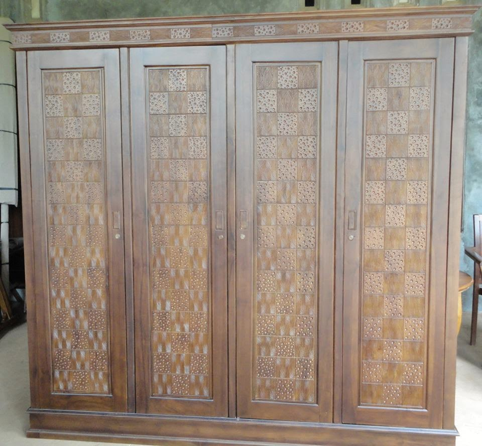 Almari Pakaian Minimalis 4 Pintu motif coret kerang
