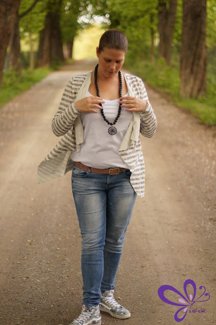 Cardigan Willow von shhhout! Vans SK8-Hi Slim Washed Stars/Blue, erbsuende elements schmuck, Holzperlenkette