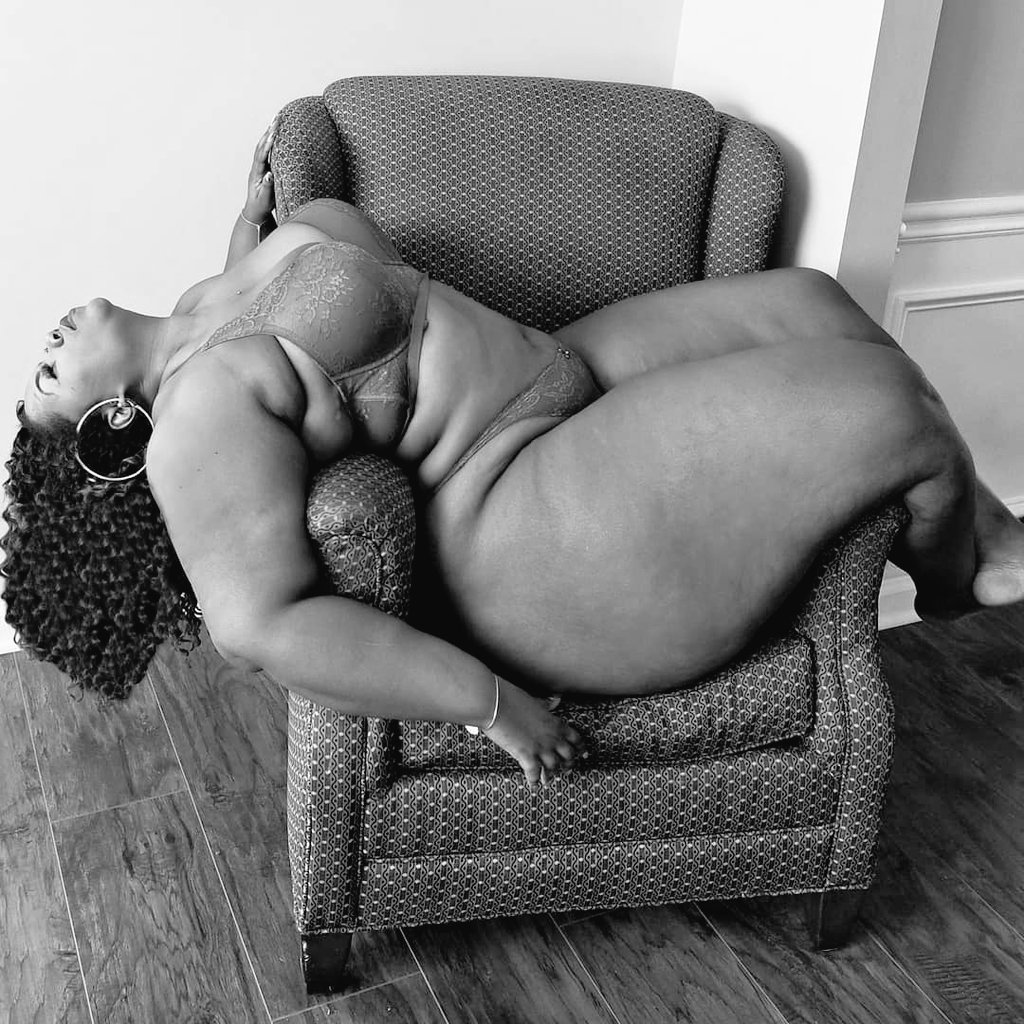 South African plus-size lady's Black and White pics go viral on twitter