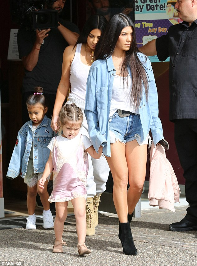 Kim Kardashian and North West step out with Kourtney & Penelope - EOnlineGH.Com