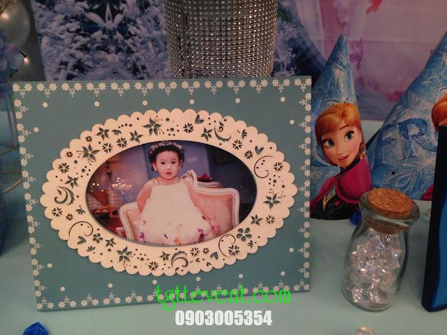 Trang trí thôi nôi  bé gái- công chúa Elsa