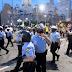 La Policía usa granadas aturdidoras para dispersar a los manifestantes en Seattle