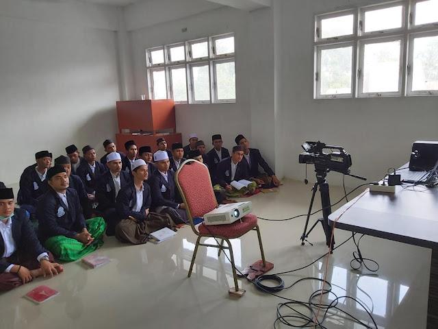 25 Mahasantri Ma'had Aly Mudi Mesra Samalanga penerima program Beasiswa Cahaya Pintar (BCP) ikuti acara YBM PLN Talk