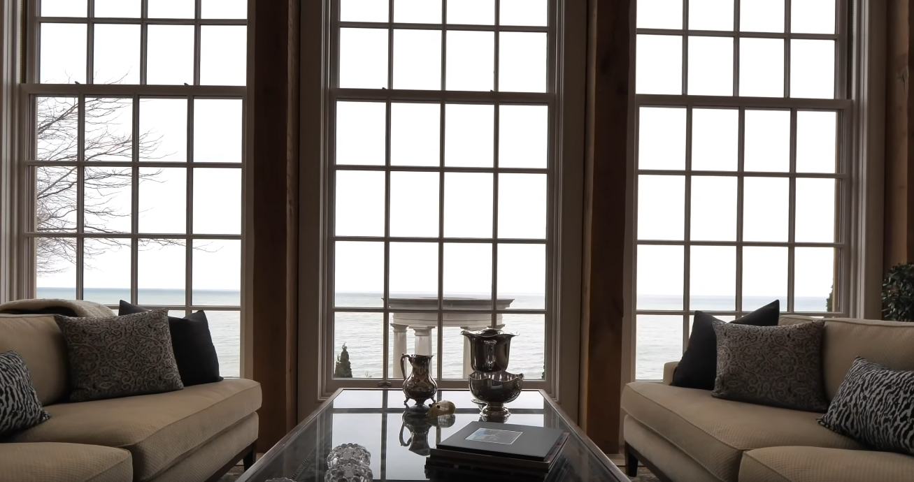 24 Photos vs. 20 Bayview Dr, St. Catharines, ON Home Interior Design Tour