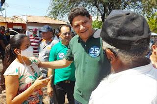 Aldy Júnior mostra força política durante caminhadas de campanha em Chapadinha-MA