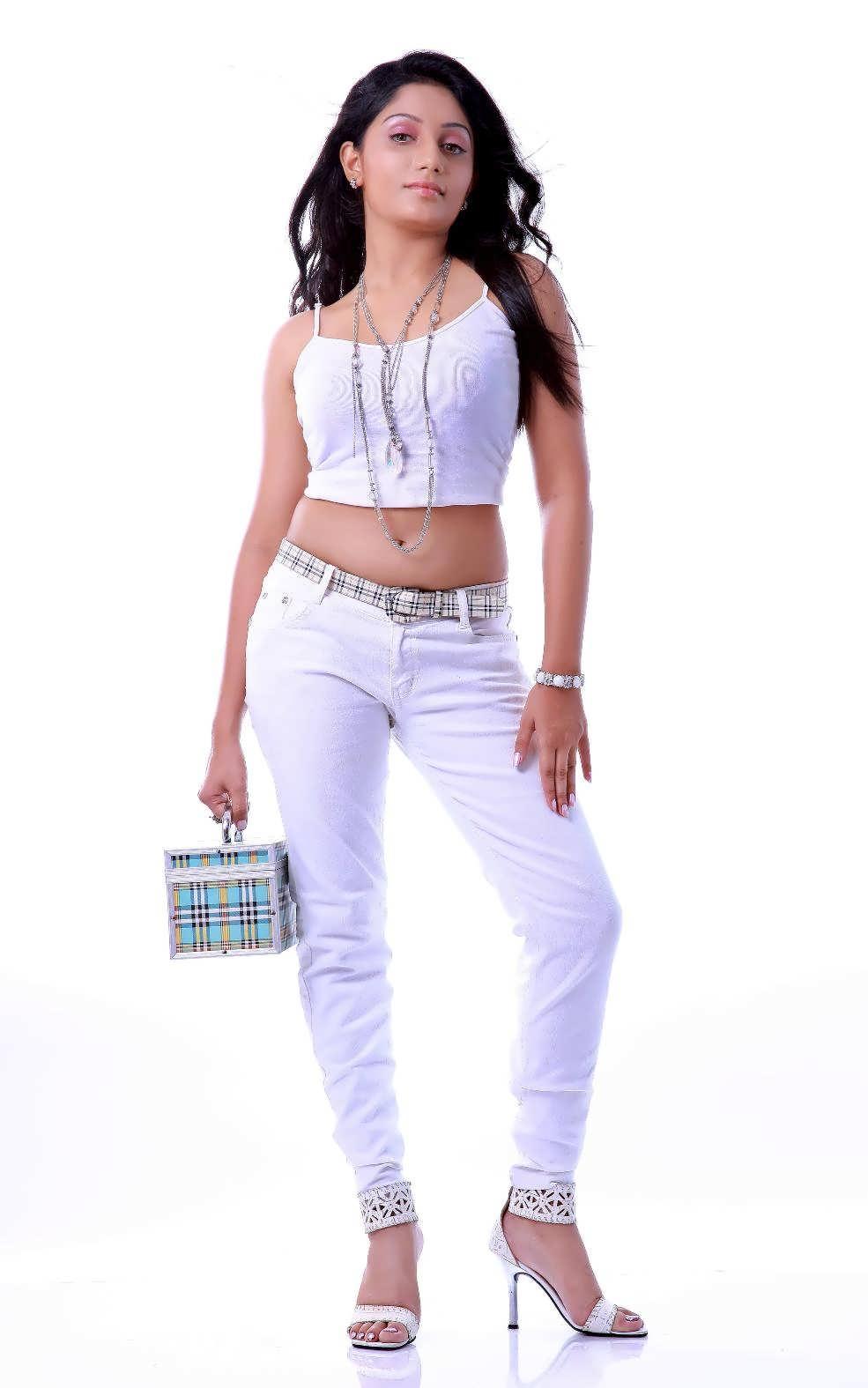 Mallu Tv Serial Actress Arya Hot Navel Show - Ha -9673