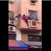 """Vidéo -  Un autre """"Mamoudou Gassama"""" voit le jour au Maroc lors d'un incendie !"""