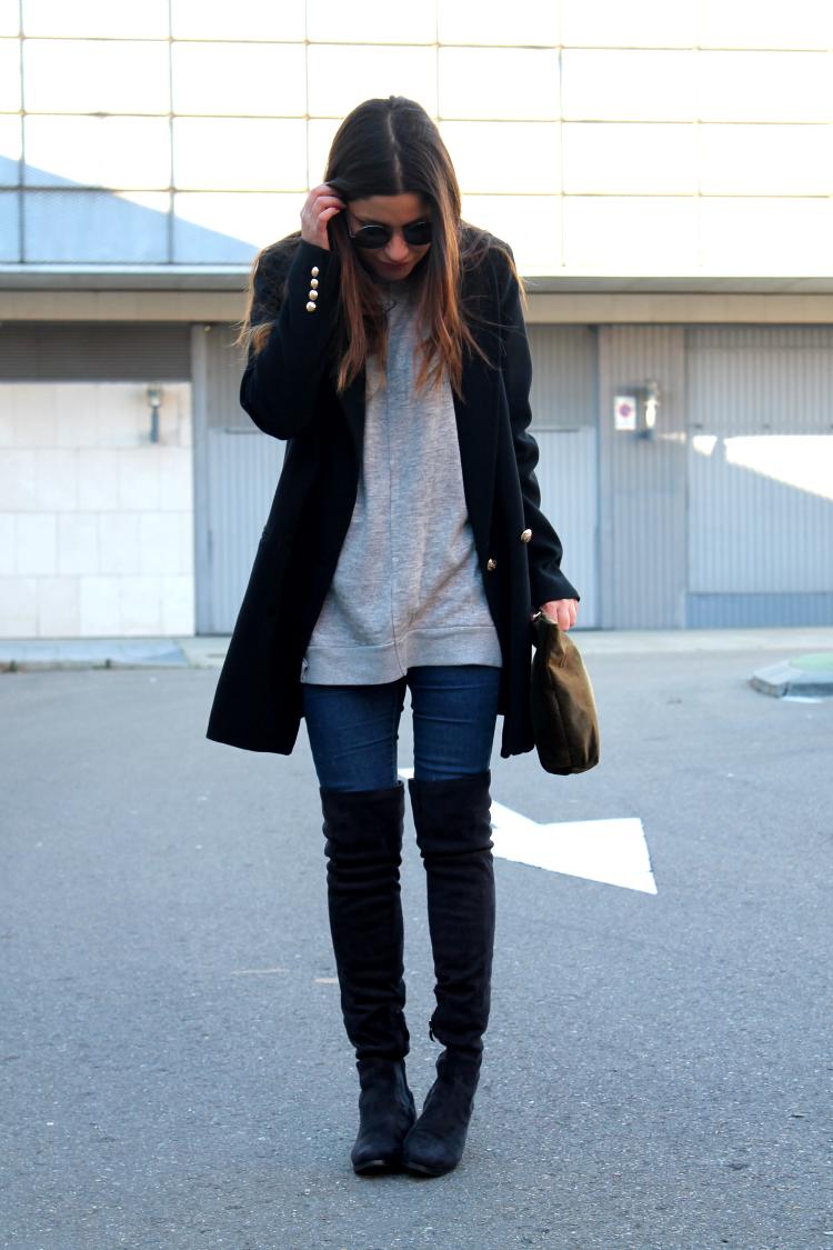 moda Leon outfit botas mosqueteras