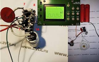 схема собранная навесным монтажом. Изображен прямоугольный импульс на осциллографе DSO 062