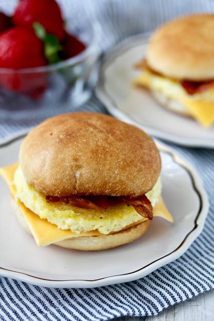 egg breakfast sandwich ready to eat