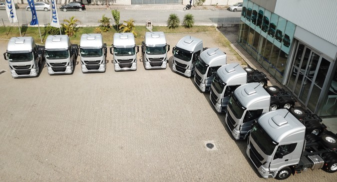 Grupo D'Granel amplia frota com 60 caminhões IVECO Hi-Way