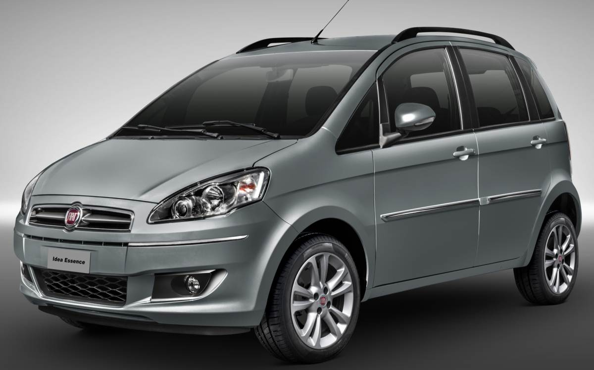 Fiat promove mudan as na idea para a linha 2014 car blog br for Fiat idea attractive 2013 precio