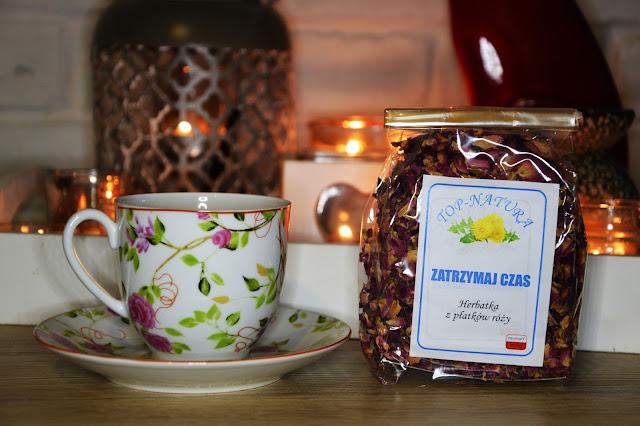 herbata zatrzymaj czas z płatków dzikiej róży