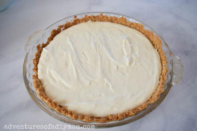 cream filling in graham cracker pie crust