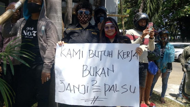 Demo Makassar oleh Pekerja Hiburan Malam