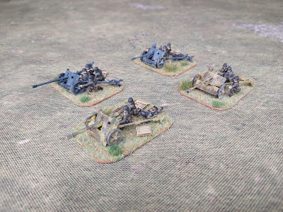 Various anti-tank guns in 15mm