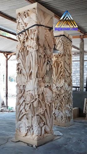 Ukiran tiang pilar rumah motif pemandangan dan ukiran jawa (klasik)