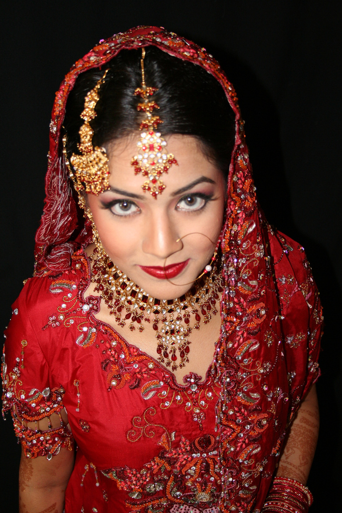 pakistani dress bridal bride dresses brides indian latest wear india jewelry clothes gowns earrings arabic posted mehndi